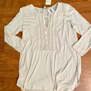 Cream lace 3/4 sleeve top size small